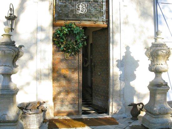 Chateau de Lamothe : Entrance to the chateau
