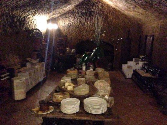 """La Taverna di San Giuseppe: Ristorante immerso nella """"Storia"""""""