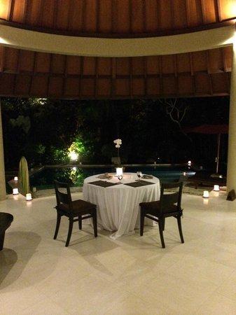 The Kunja Villas & Spa : Candlelight Dinner
