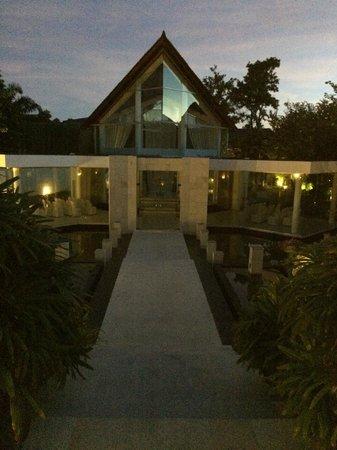 The Kunja Villas & Spa: Glass Chapel (evening)