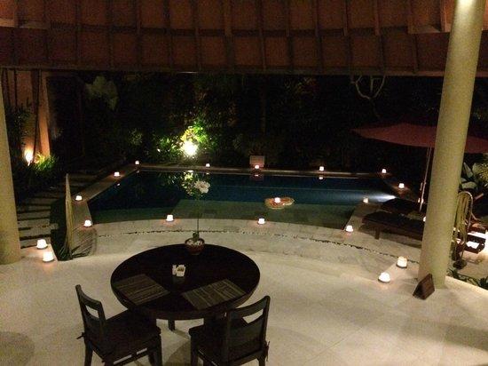 The Kunja Villas & Spa: Candlelight Dinner