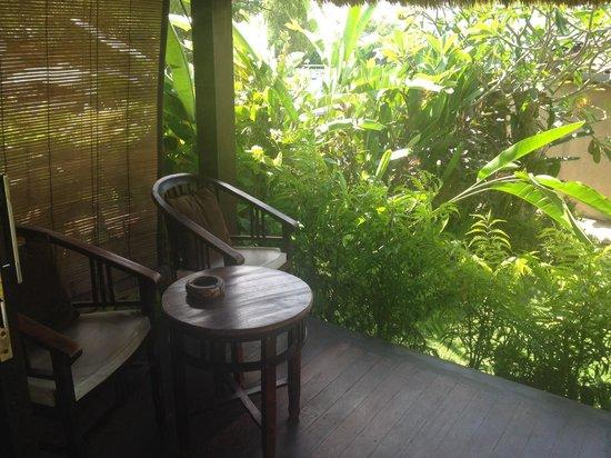 Bay Shore Huts : Private terrace in the hut