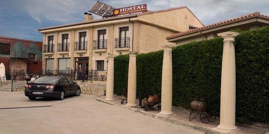 Hostal Domus Viatoris: aparcamiento