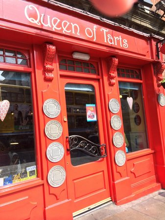 Queen of Tarts : The little cafe on the  Street