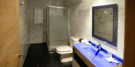 Hostal Domus Viatoris: baño