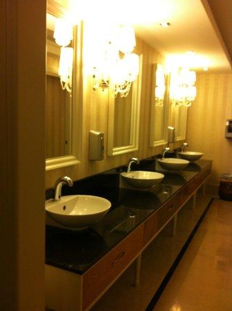 Kilikya Palace Goynuk : baño del hotel