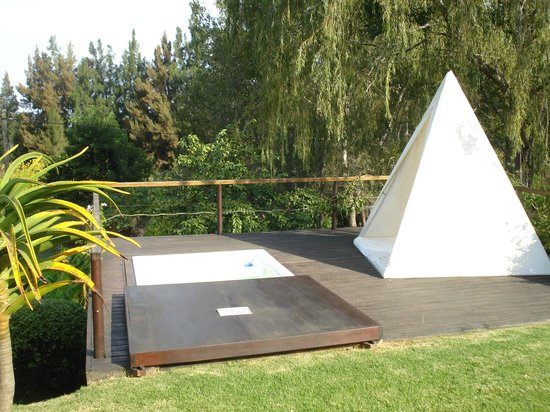 Rothman Manor: Jacuzzi / Chill Out Tepee