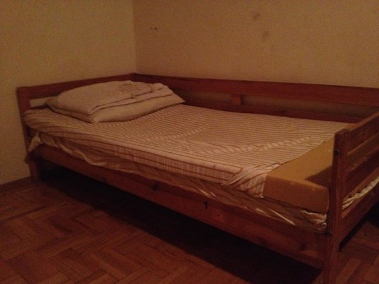 "Caterina Hostel: unprepared bed in the ""3 bed female dorm"""