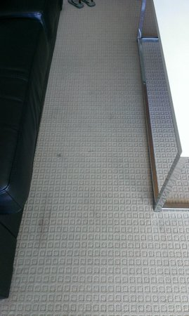 Mantra Towers of Chevron: dirty loungeroom carpet