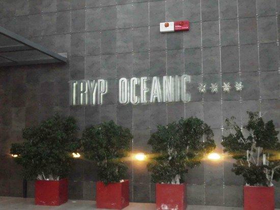Tryp Oceanic: entrada