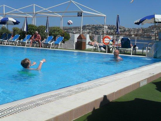 Mellieha Bay Hotel : Lovely pool