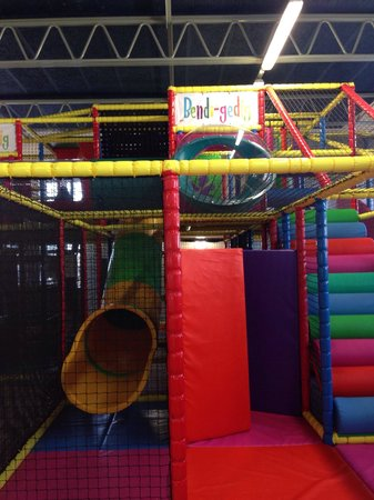Bendi-gedig: Hard to capture scale but here's bit of play area.