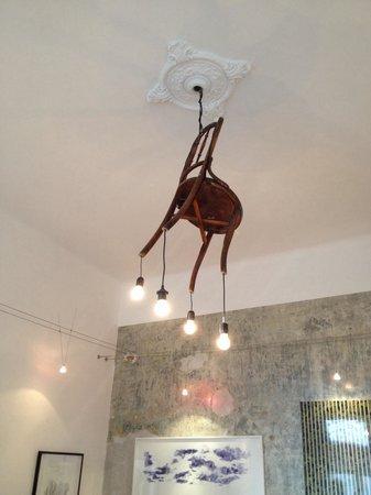 Brody House: Aussergewöhnliche Lampe