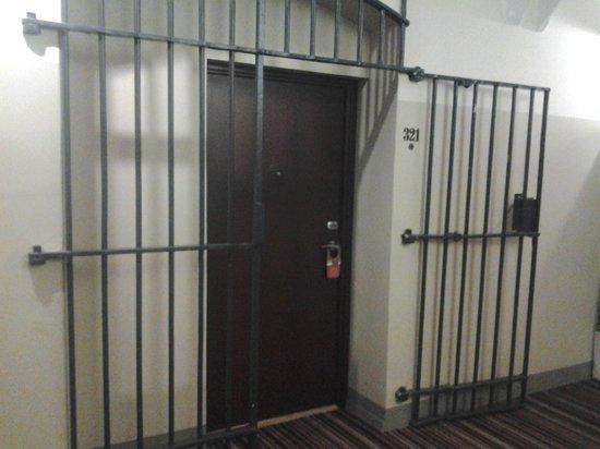 Hotel Katajanokka: Room doors