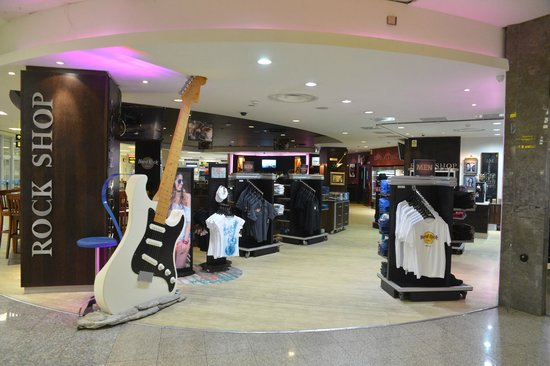 Hard Rock Cafe Malta Airport