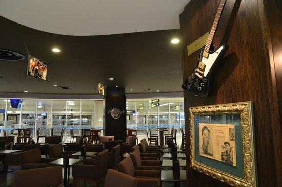 Hard Rock Cafe Malta: Hard Rock Bar Malta International Airport