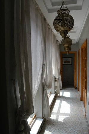 Riad l'Etoile d'Orient : Corridor on the 2nd floor