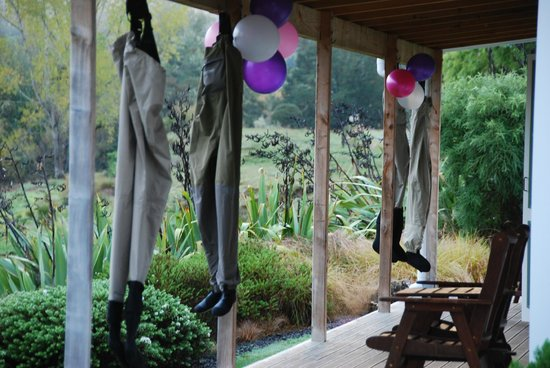 Owen River Lodge: Fishing waders