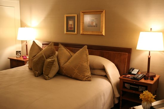 Mandarin Oriental, Bangkok : gorgeous bedding