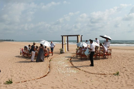 Saman Villas: Beach Wedding