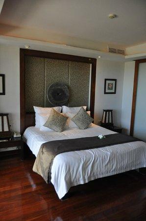 Ayara Hilltops Resort and Spa Surin Beach : Schlafzimmer