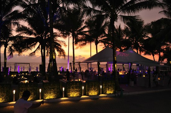 Ayara Hilltops Resort and Spa : Catch Beach Club
