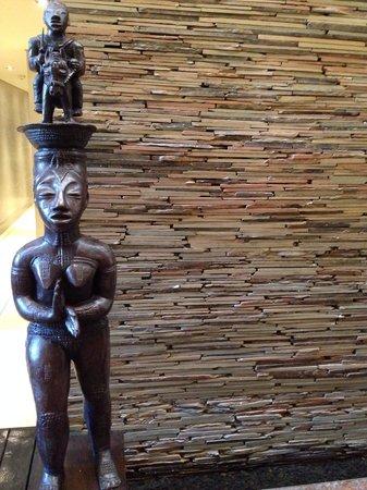 Delaire Graff Estate: Statue guarding the bathroom!!