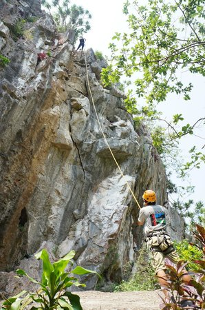 Phat Tire Ventures: 2nd Abseiling