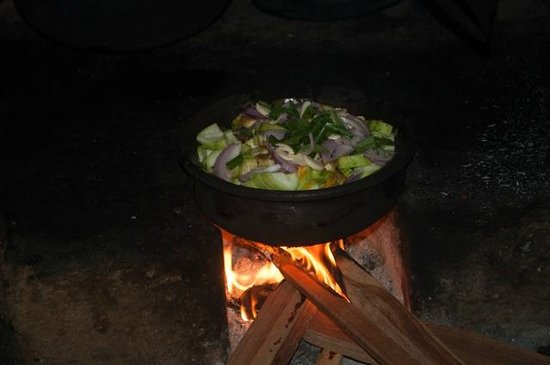 Horathapola Estate : Cooking Loofer curry