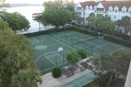 Diamond Resorts Grand Beach : Basketball and tennis courts