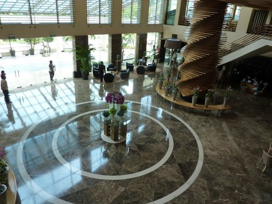 Sofitel Saigon Plaza: Reception