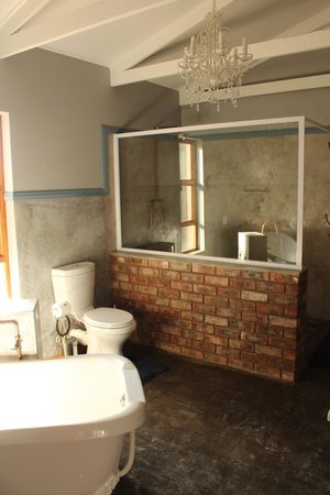 Lentelus Guesthouse: Ensuite bathroom
