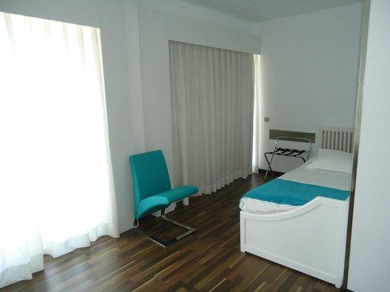 Hotel Costa Azul: Habitación triple con vistas
