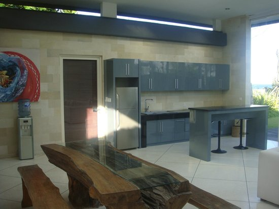 Pandawa Beach Villas & Spa: Share room/ living room