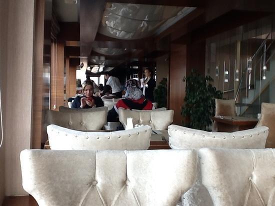 The Q-Inn Hotel Istanbul: A sala de pequeno almoço.