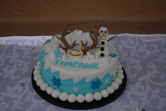 Patisserie Amandine Marrakech: gâteau d'anniversaire FROZEN