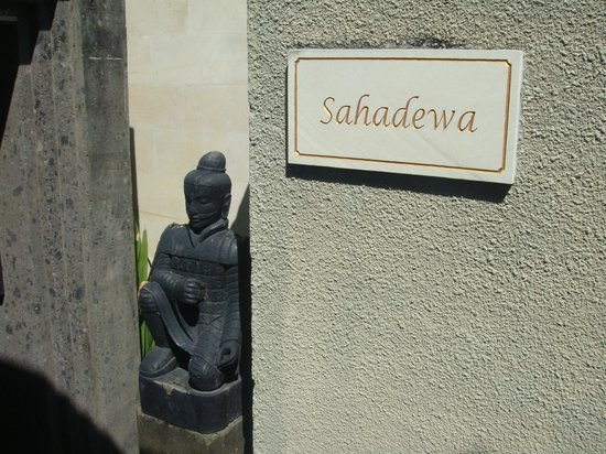 Pandawa Beach Villas & Spa : Entrance to the villa