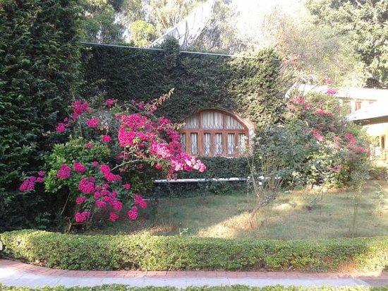 Zeenath Taj Gardens Yelagiri: Our cottage from outside