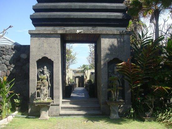 Pandawa Beach Villas & Spa : Balinese decor