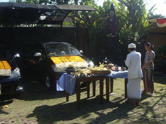 Pandawa Beach Villas & Spa: Balinese tradition