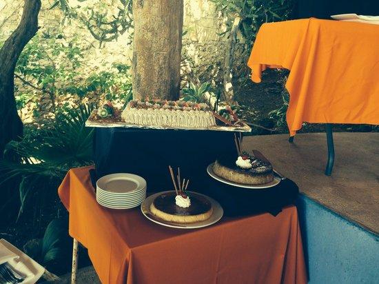 Casa de los Suenos: Bufete de Pascua
