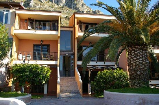 Capo dei Greci Taormina Coast - Resort Hotel & Spa: houses with 10 rooms