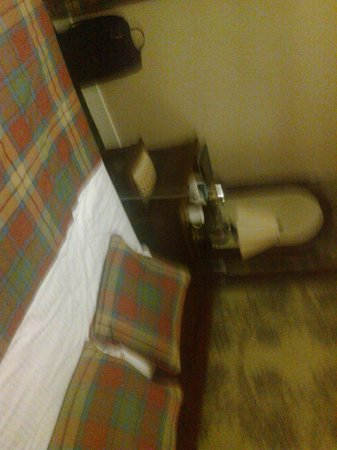 Loch Kinord Hotel: Bedroom