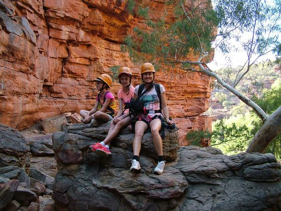 Kalbarri Abseil: group in gorge