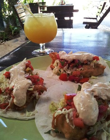 Ando Loco : Fish Tacos with Jumbo Margarita