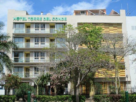 Hotel Torre del Conde: Fachada traserva