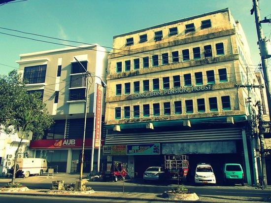 Ong Bun Pension House: Ong Bun's facade fronting Ledesma street