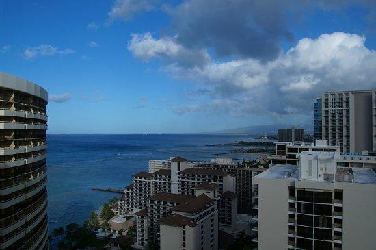 Sheraton Waikiki: 28Fラナイからのビュー