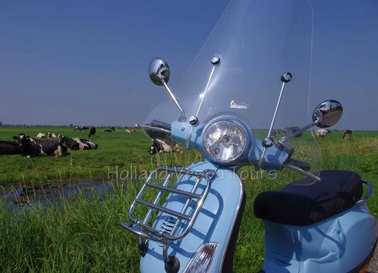 Holland Vespa Tours: Drive through the typical Dutch country side