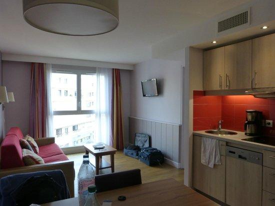 Apartamentos Pierre & Vacances Haguna: vue générale de l'appartement 203